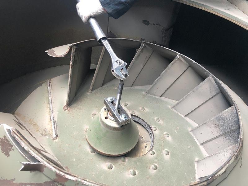 拆卸离心风机叶轮